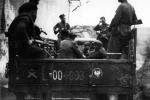 Конвой членів УПА, яких зловили вояки ВП у районі Сянока