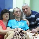 Майор О. Петраківський з батьками