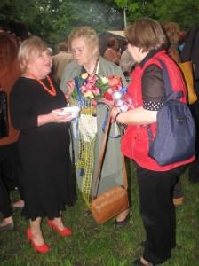 На фото зліва організатор заходу Данута Левчанин. Фото авторки статті