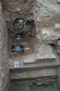 Залишки західного муру церкви Данила Галицького з ХІІІ ст. Фото Станіслава Ґолуба