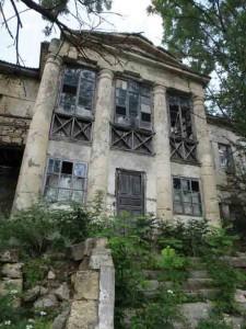 Знищені будинки по кримських татарах у Криму, фото Нізамі Ібраімова
