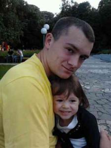 Олександр з донькою. Фото з сімейного архіву