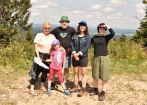<strong> Богумила Бревка (зліва) з сім'єю</strong>. Фото з архіву родини Бревків