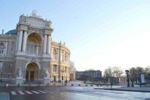 <strong> Одеська опера – перлина центру міста.</strong> Фото авторки статті