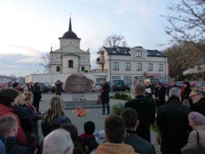 Люблінські відзначення пам'яті жертв Голодомору в Україні 1932-1933 рр. біля пам'ятника жертвам Голодомору, спорудженого 2014 р.