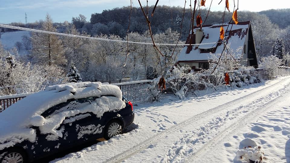 Через кілька днів після переїзду в Перемишлі випав сніг. Фото Івана Мацинського