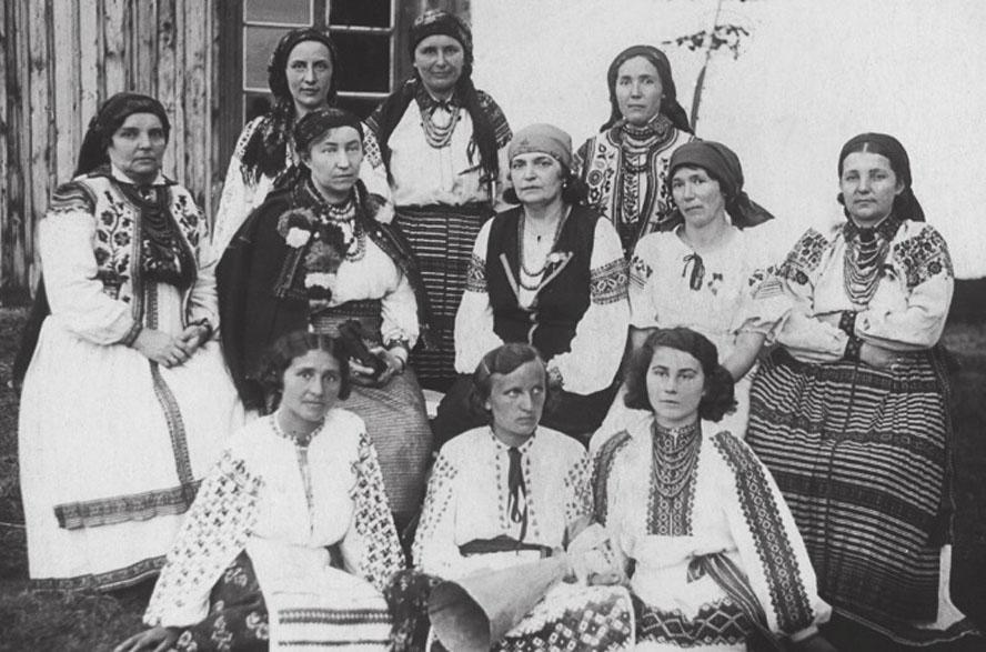 ▲ Членкині Стрийського відділу Союзу українок, 1937 р. Джерело: Вікіпедія