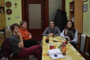 На фотографії зліва направо: Теодор Фіцак, Роксана Фіцак, Максим Наконечний, Катерина Бунда. Фото авторки статті