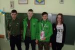 Волонтери з бартошицької школи (праворуч): Кінга Брила, Тома Буцький і Збишко Буцький