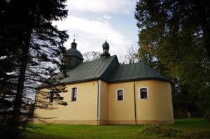 Церква в Устриках-Долішніх