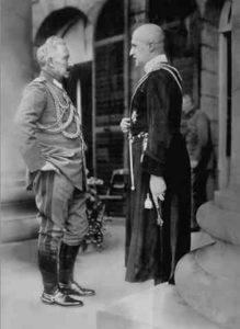 ▲ Гетьман П. Скоропадський (справа) та кесар Вільгельм ІІ (Берлін, 1918 р.). Фото з Вікіпедії